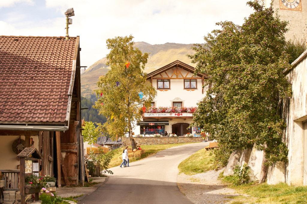 Urlaub auf der Sonnenterrasse || Die Familienhotels Löwe und Bär in Serfaus