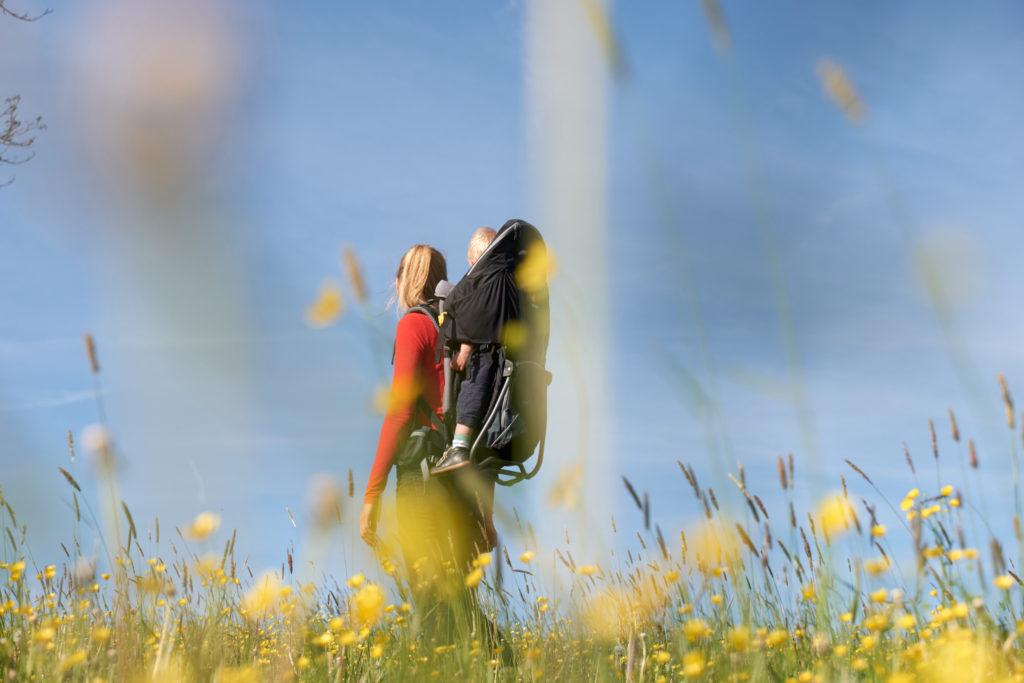Raus in die Natur mit der Deuter Kid Comfort 3 Rückentrage